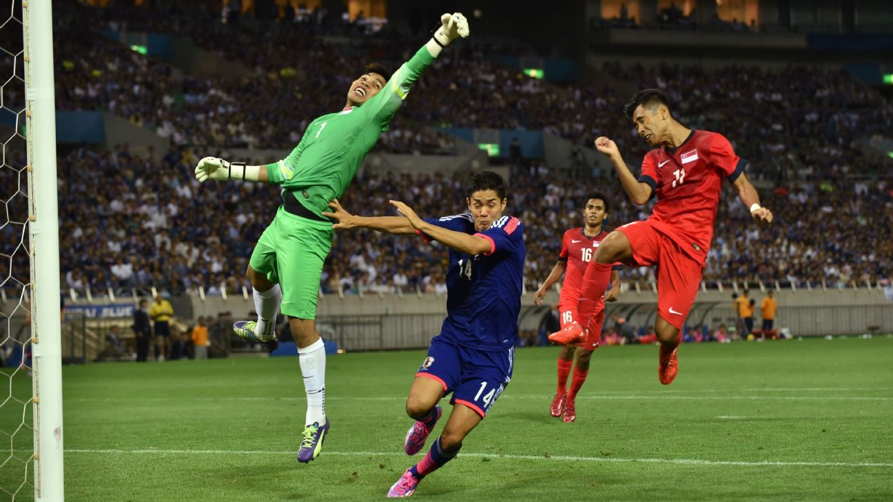 Singapore goalkeeper Izwan Mahbud vs. Japan