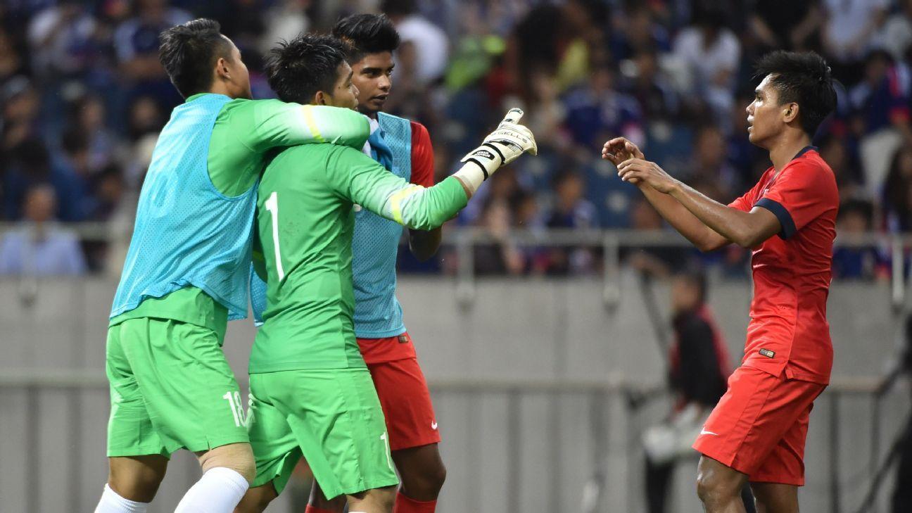 Singapore goalkeeper Izwan Mahbud