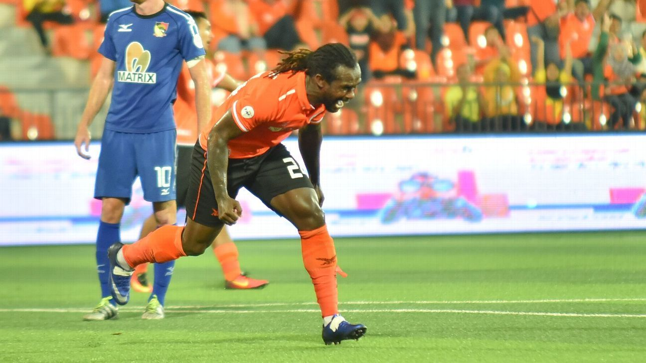 Felda striker Francis Forkey Doe