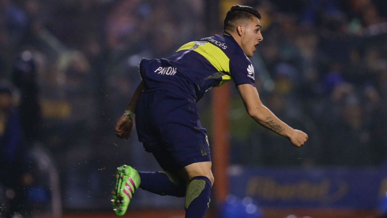 Cristian Pavon of Argentina's Boca Juniors celebrates after scoring his team's first goal vs. Independiente del Valle.