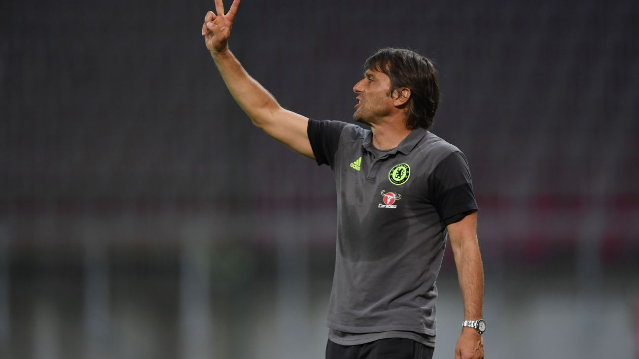 Antonio Conte in preseason friendly