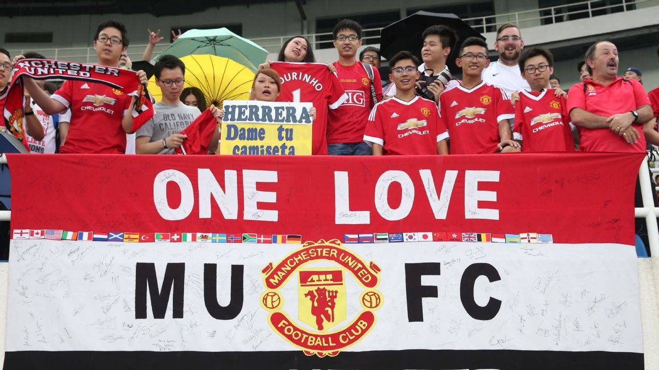 Manchester United fans in China