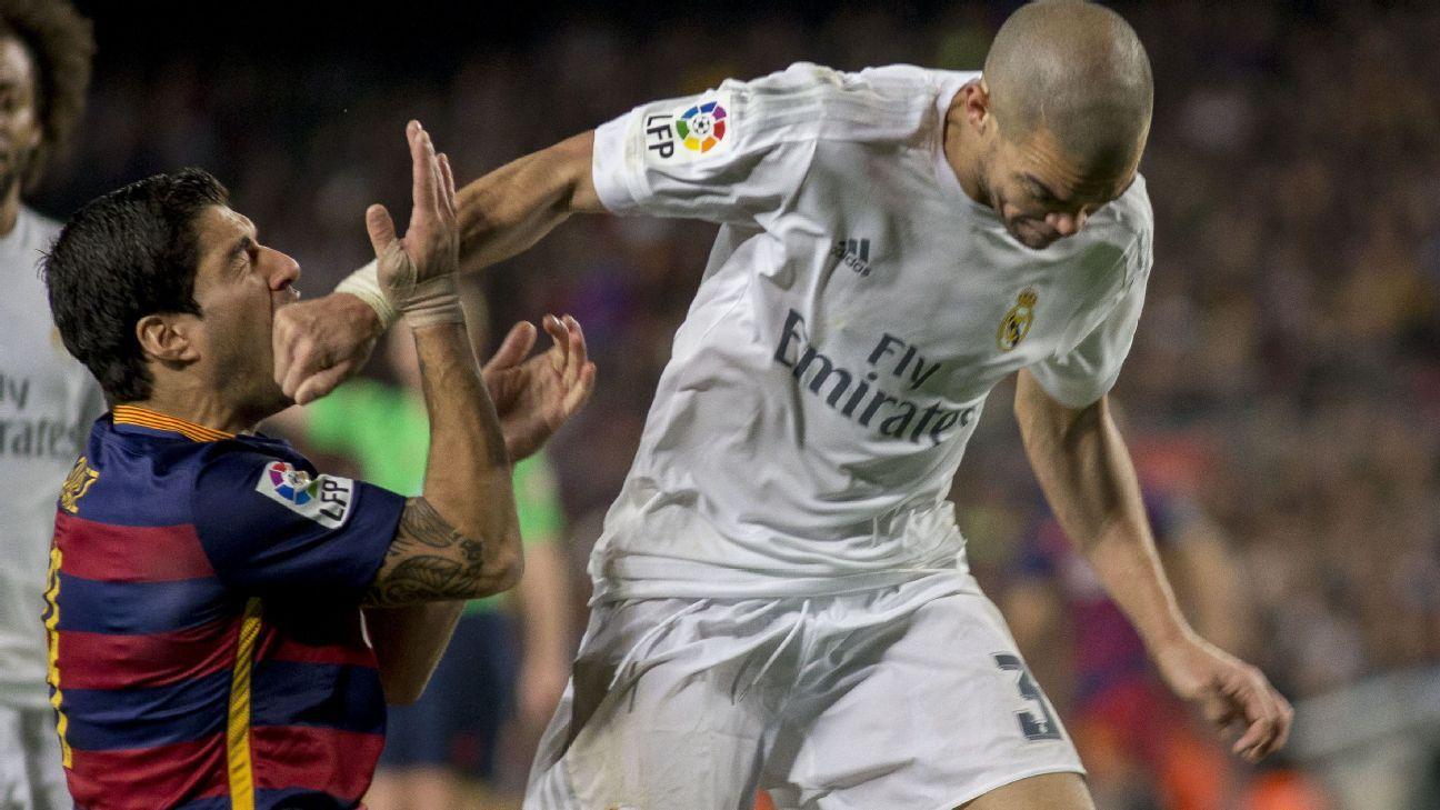 Pepe punching Luis Suarez