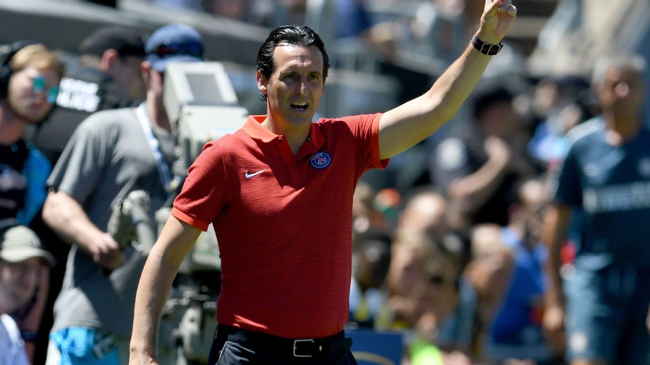 Unai Emery in PSG friendly