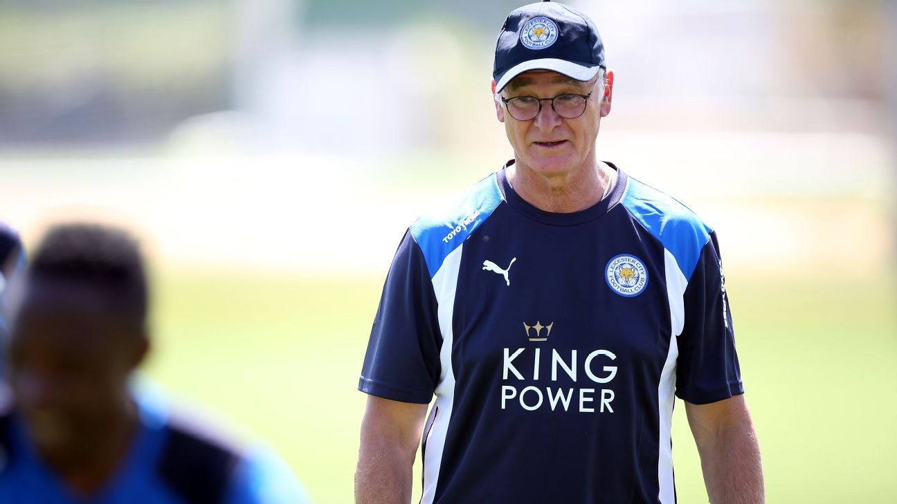 Claudio Ranieri Leicester City training