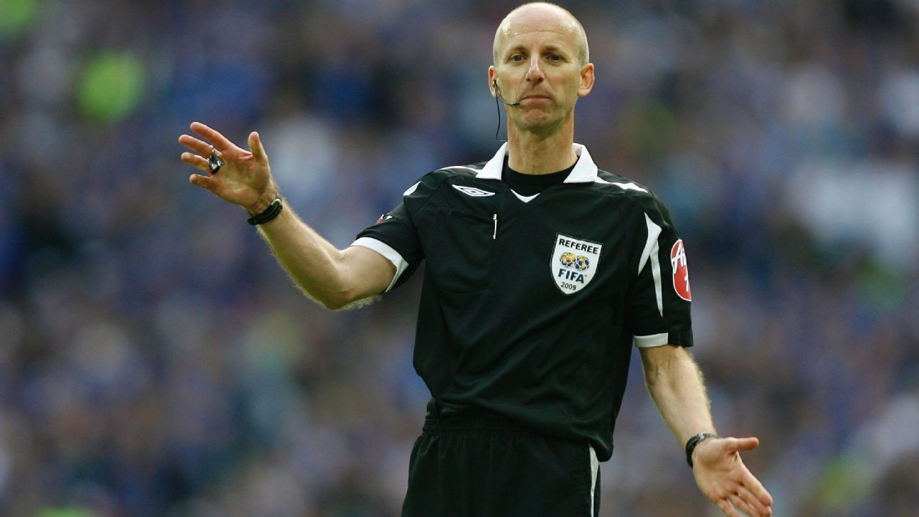 Referees' chief Mike Riley warns of increase in cards this ...
