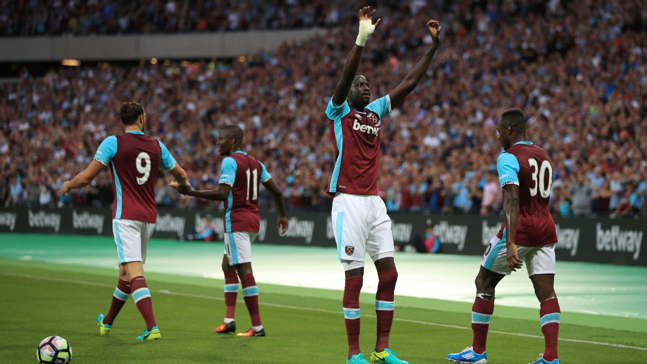 A Cheikhou Kouyate helped West Ham advance to the Europa League playoff round.