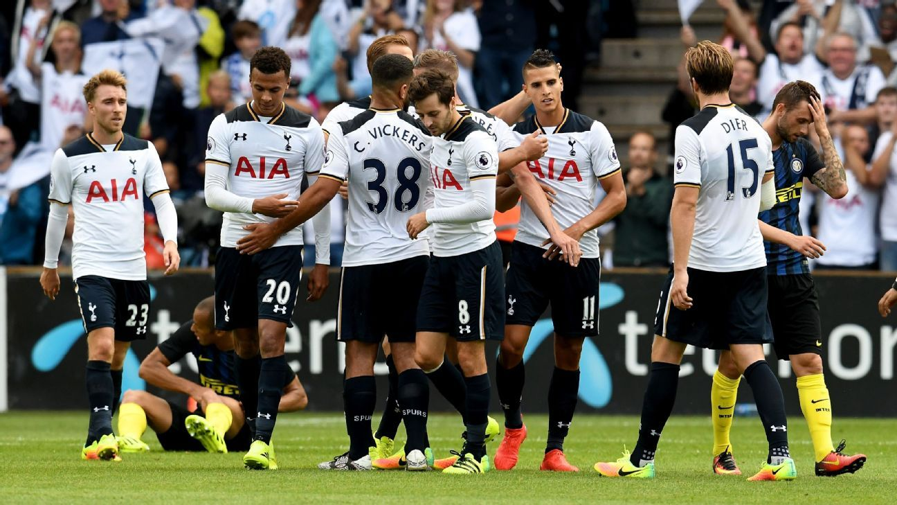 Tottenham celebrate Erik Lamela's goal against Inter Milan.
