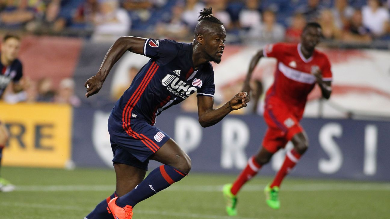 Kei Kamara dribbles towards the Chicago goal in New England's USOC match on Tuesday night.