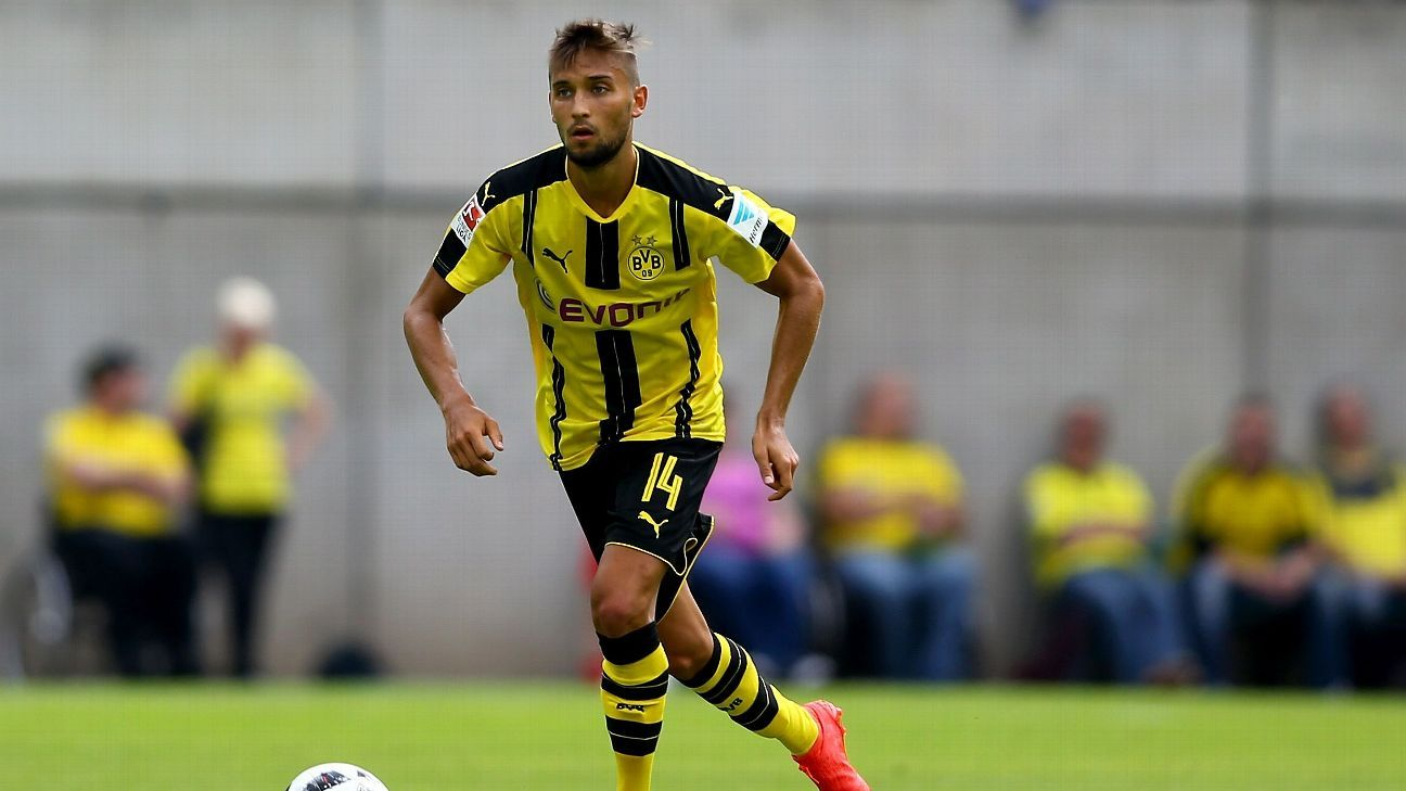 WUPPERTAL, GERMANY - JULY 09:  Moritz Leitner of Dortmund runs with the ball during the friendly match between Wuppertaler SV and Borussia Dortmund at Stadion Zoo on July 9, 2016 in Wuppertal, Germany.