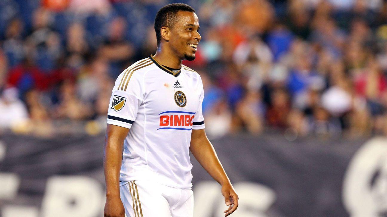 Philadelphia Union re-sign ex-U.S. forward Charlie Davies