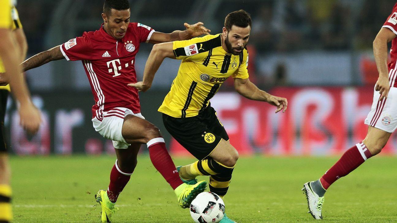 Castro Dortmund v Bayern German Super Cup 160814