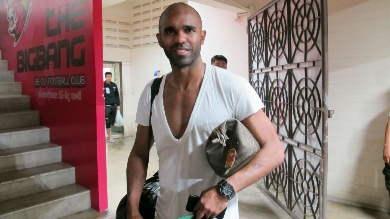 Chainat striker Florent Sinama Pongolle