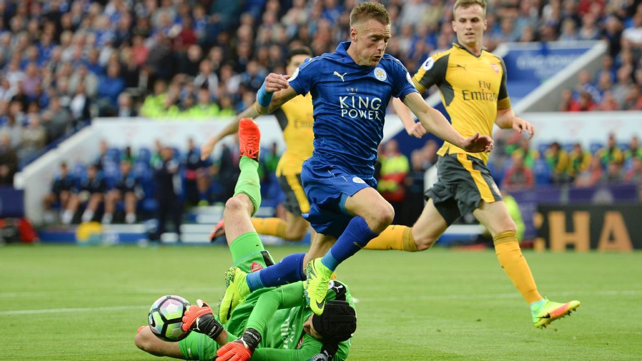 Jamie Vardy could not find a way past Petr Cech on Saturday.