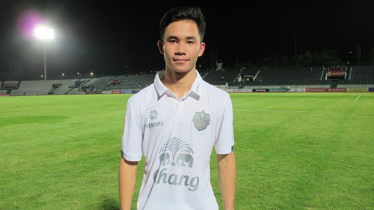 Buriram midfielder Supachok Sarachat