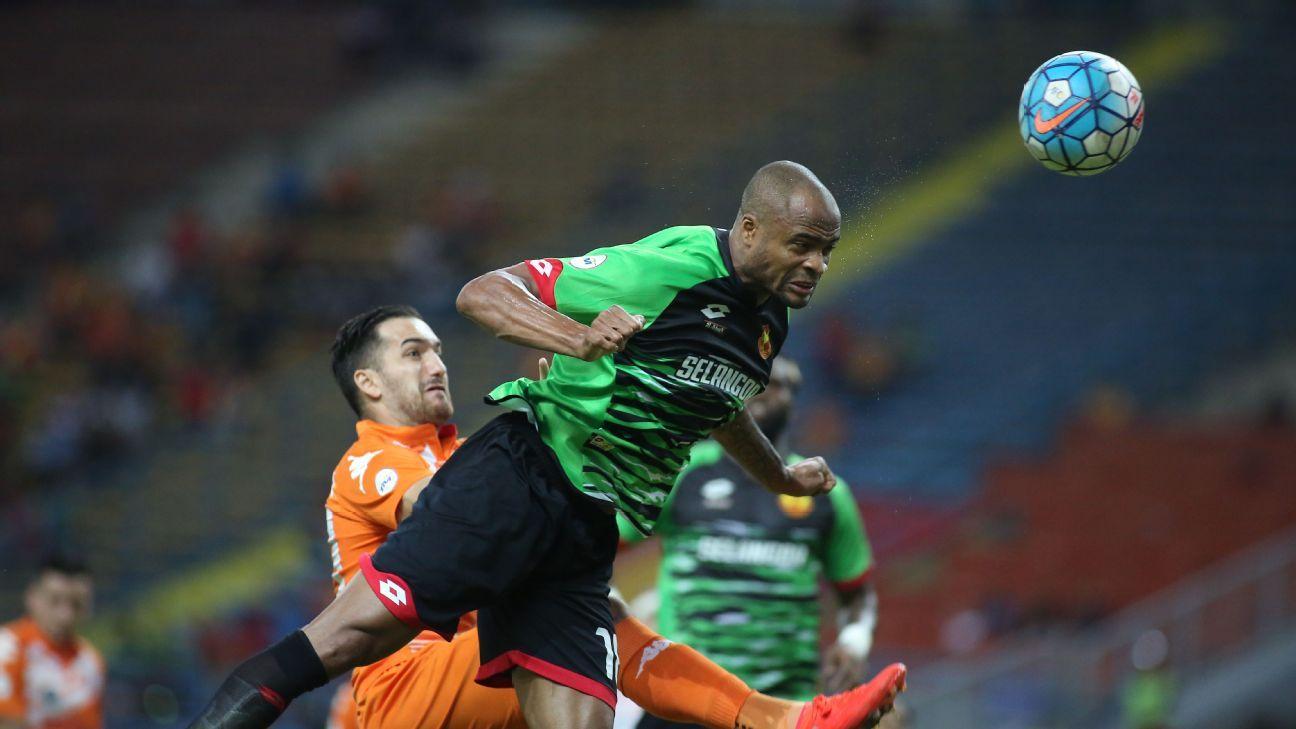 Selangor defender Ugo Ukah scoring in 2016 Malaysia Cup vs. PKNS