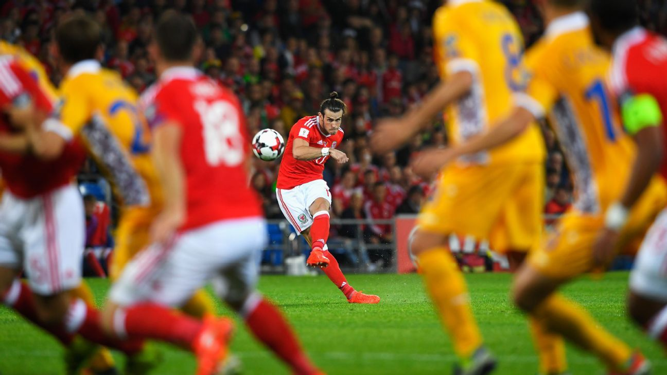 Gareth Bale scored a pair of goals in Wales' 4-0 defeat of Moldova on Monday.