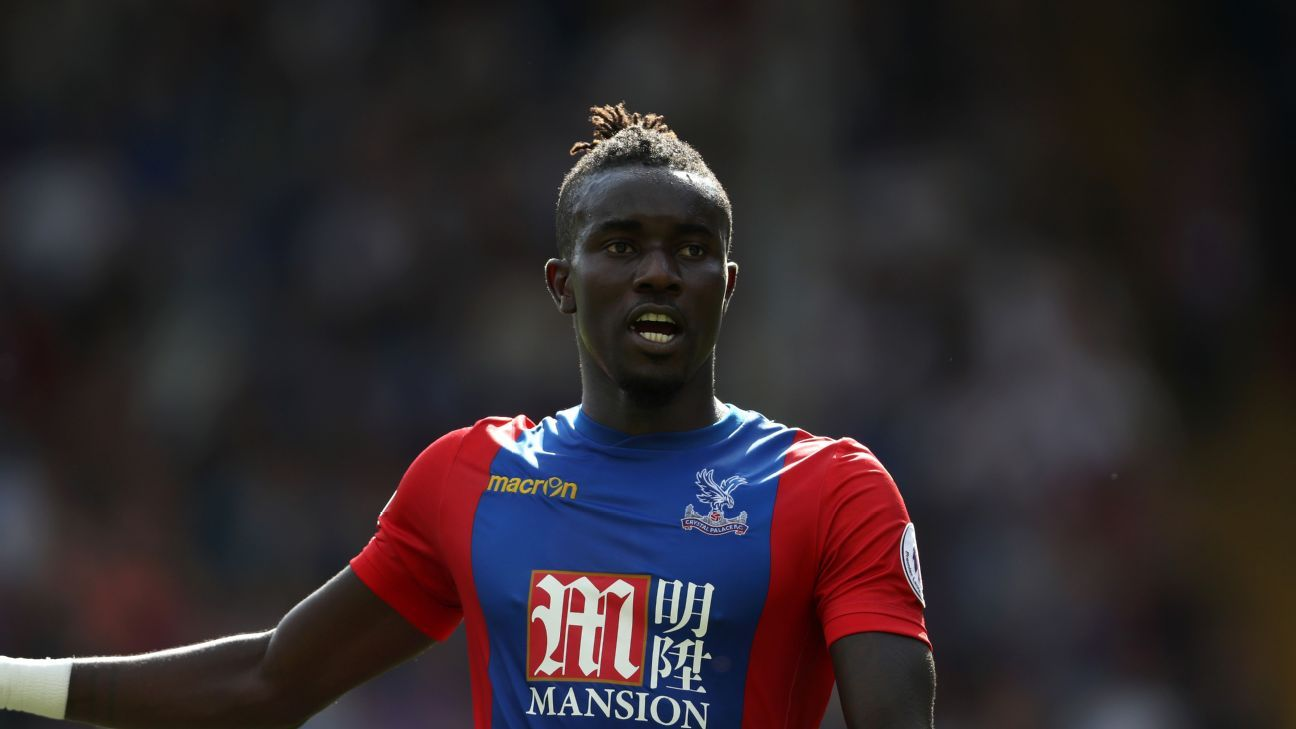 LONDON, ENGLAND - AUGUST 13: Pape Souare of Crystal Palace during the Premier League match between Crystal Palace and West Bromwich Albion at Selhurst Park on August 13, 2016 in London, England.