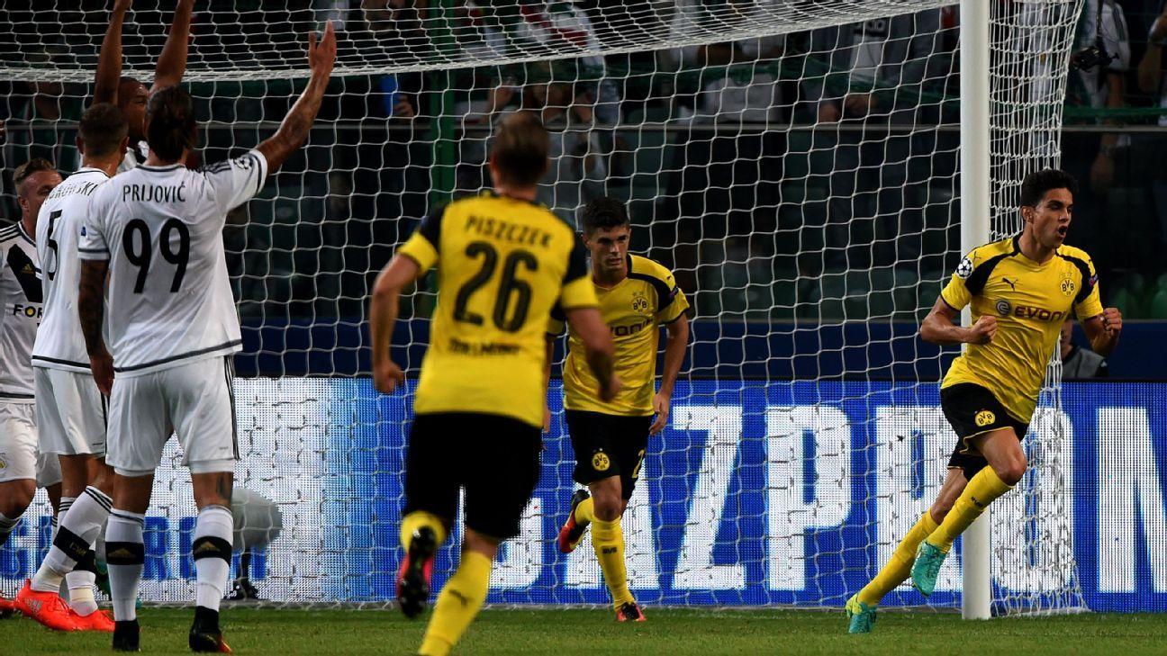 Bartra celeb Dortmund vs Warsaw 160914