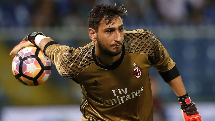 Donnarumma action vs Samp 160916