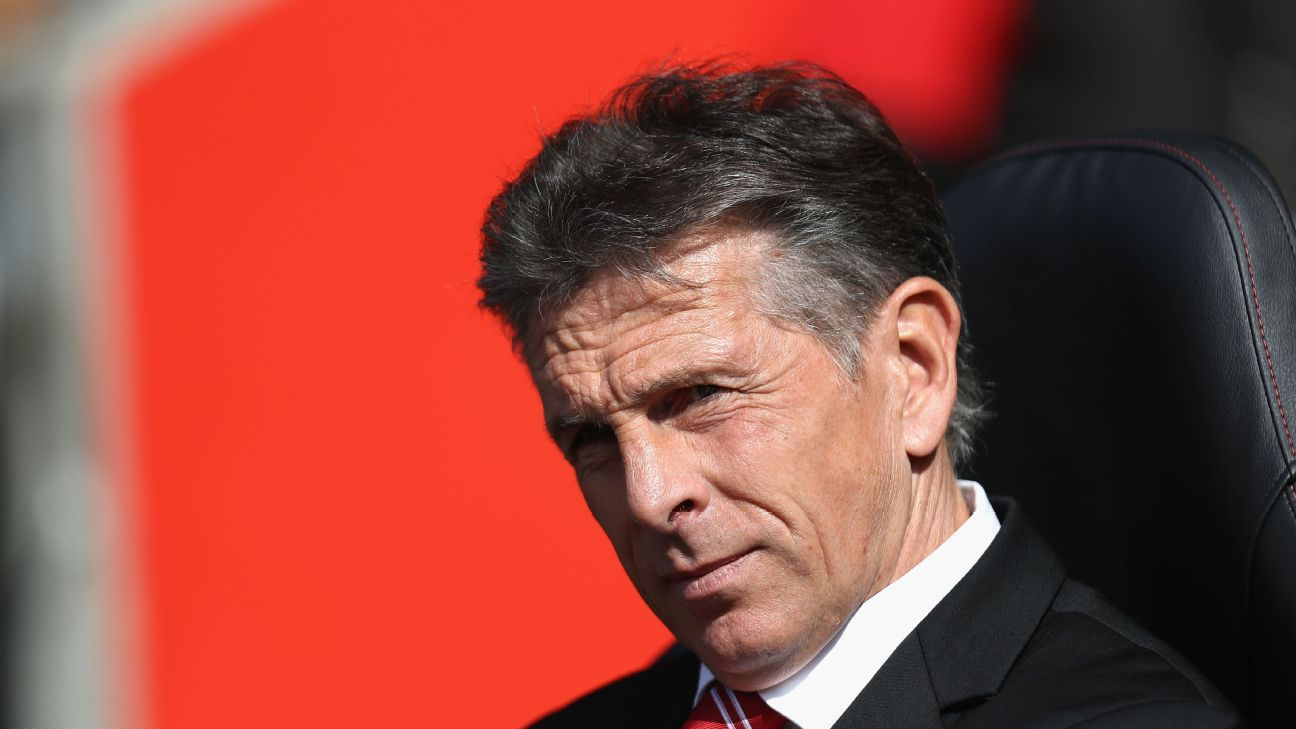 Claude Puel, Manager of Southampton looks on  during the Premier League match between Southampton and Swansea City at St Mary's Stadium on September 18, 2016 in Southampton, England.