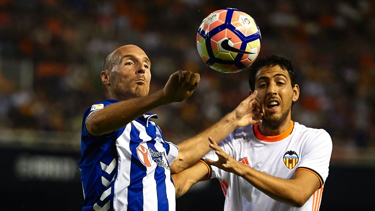 Dani Parejo, right, scored the winning penalty for Valencia.