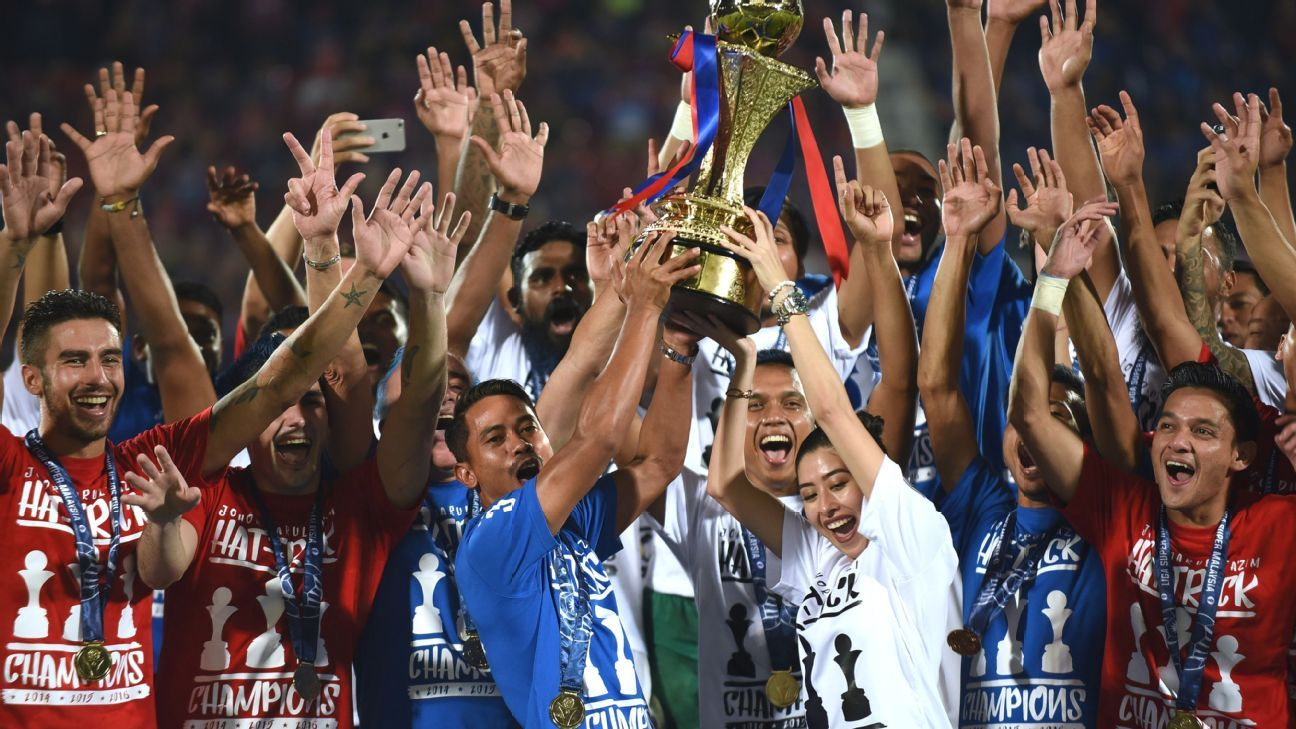 Malaysian champions JDT lift 2016 MSL trophy