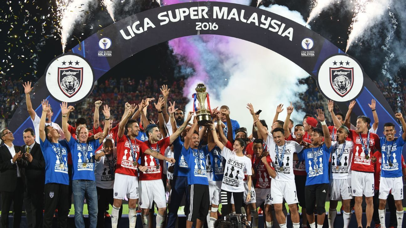JDT trophy celebrations with 2016 MSL