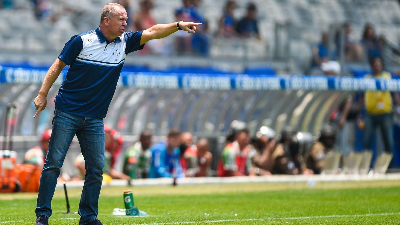 Cruzeiro coach Mano Menezes