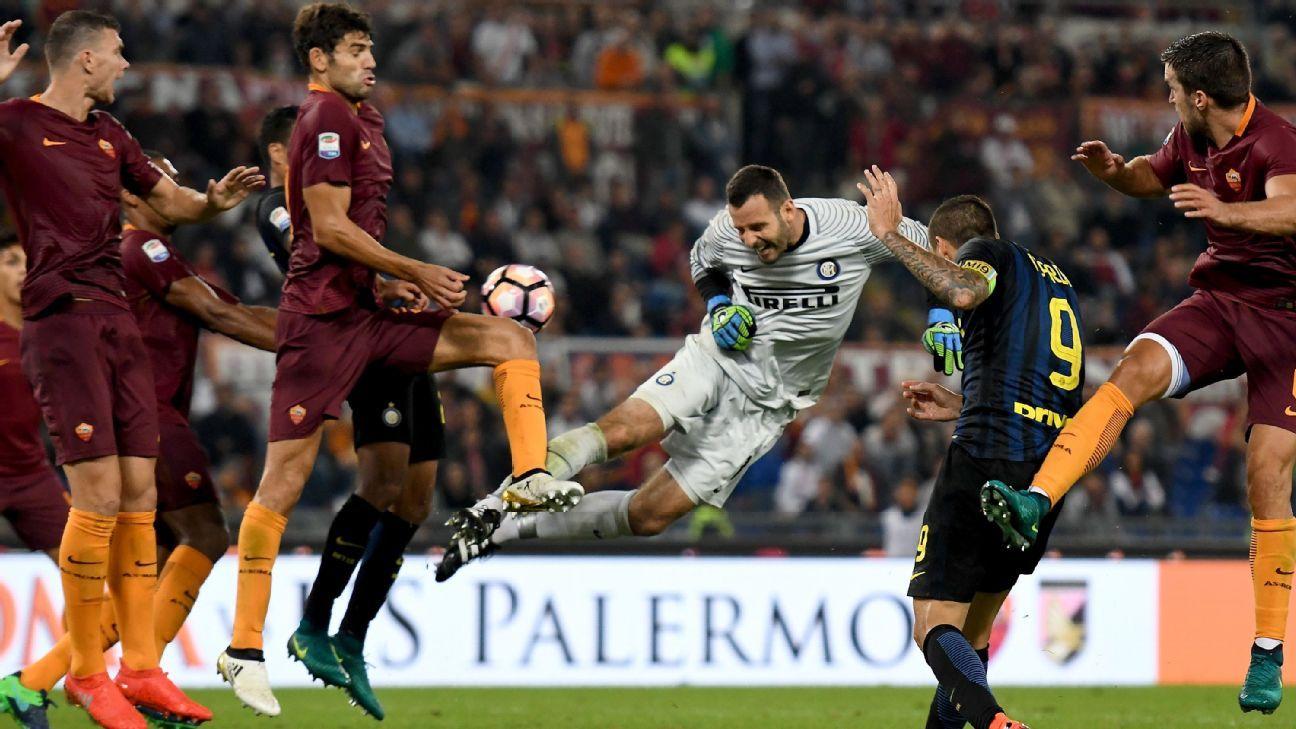 Inter Milan goalkeeper Samir Handanovic