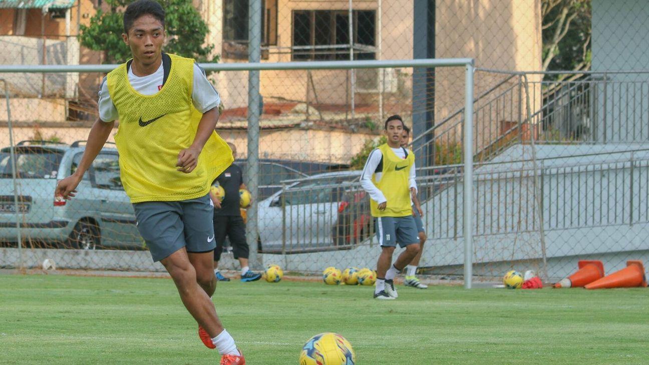 Singapore midfielder Shawal Anuar