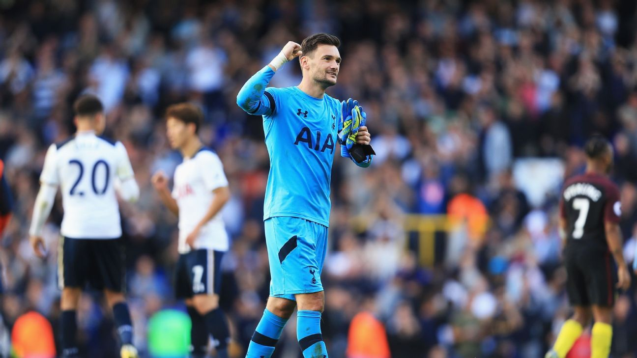 Hugo Lloris of Tottenham Hotspur celebrates his sides win after the final whistle during the Premier League match between Tottenham Hotspur and Manchester City at White Hart Lane on October 2, 2016 in London, England.