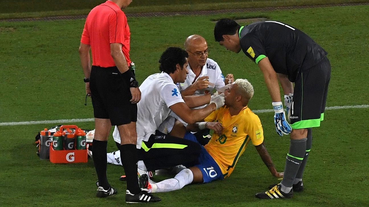 Neymar medical attention vs Bolivia