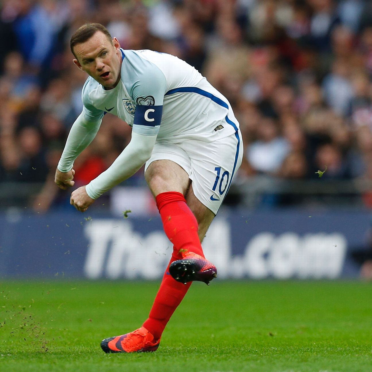 England's captain Wayne Rooney is unsuccessful with this freekick during the World Cup 2018 football qualification match between England and Malta at Wembley Stadium in London on October 8, 2016.
