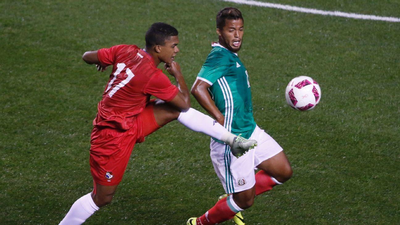 Dos Santos vs Panama 161011