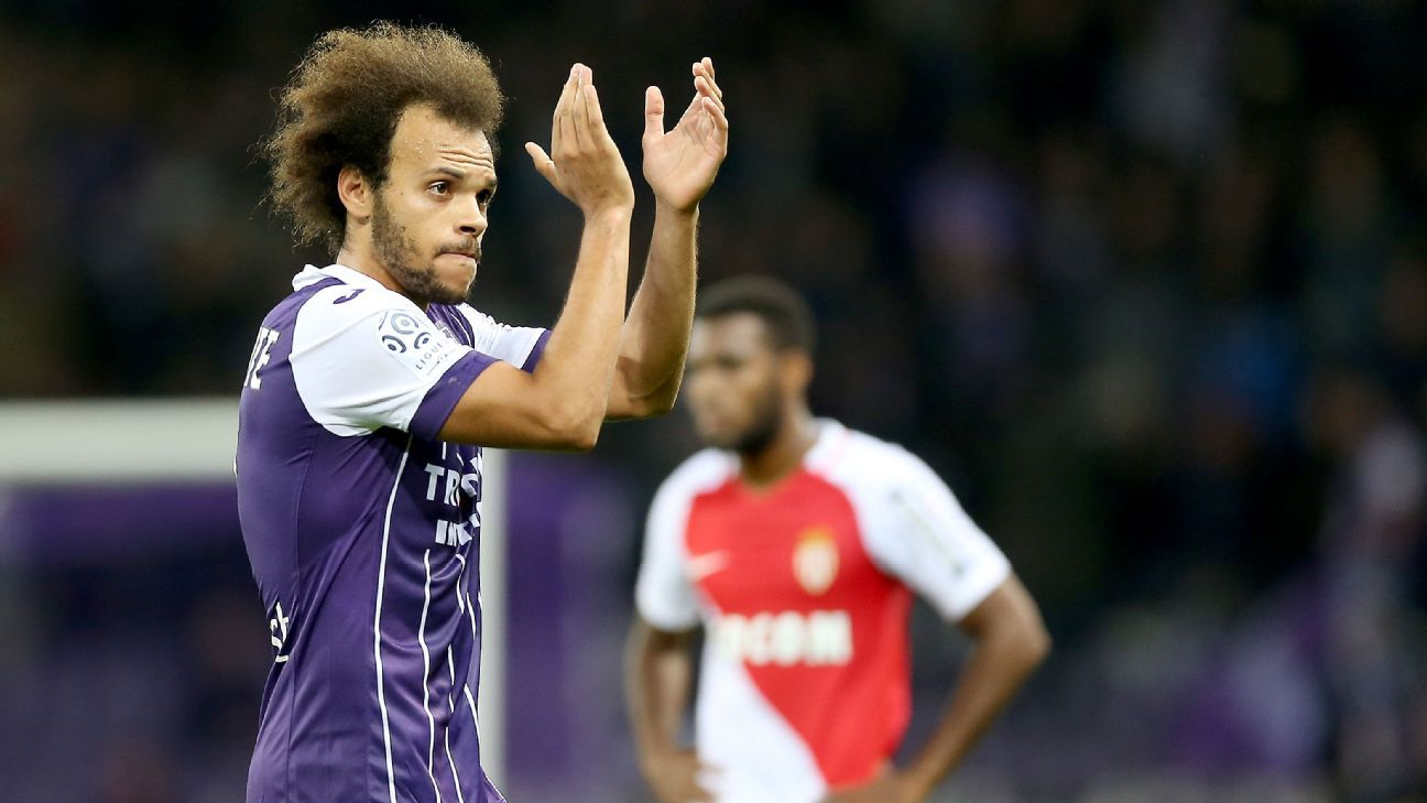 Martin Braithwaite of Toulouse reacts after his goal during the French Ligue 1 match between Toulouse and Monaco.