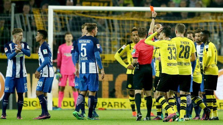 Emre Mor red card