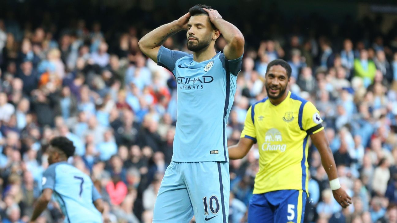 Sergio Aguero missed Manchester City's second penalty.