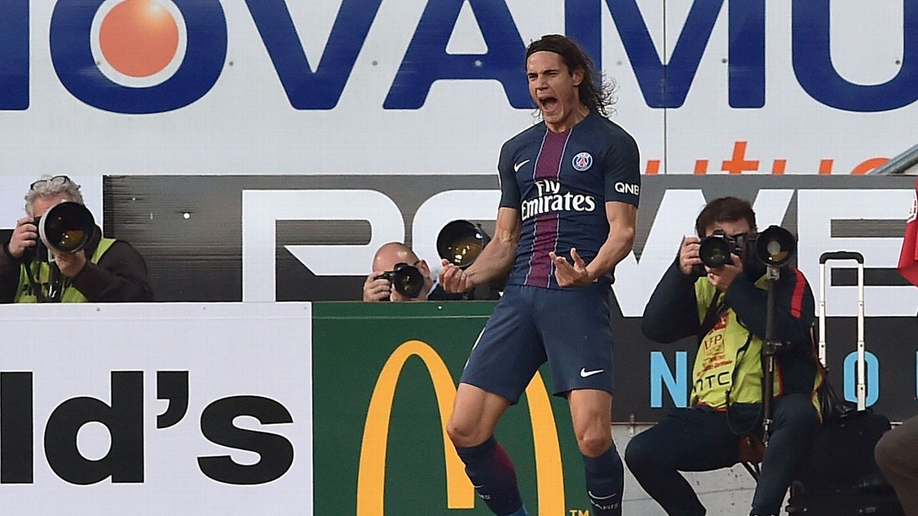 Edinson Cavani scored PSG's second goal against Nancy.