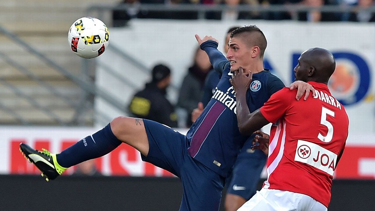 Paris Saint-Germain's Italian midfielder Marco Verratti (L) vies with Nancy's French midfielder Alou Diarra during the French L1 football match between Nancy (ASNL) and Paris (PSG) on October 15, 2016, at Marcel Picot stadium in Tomblaine, eastern France.
