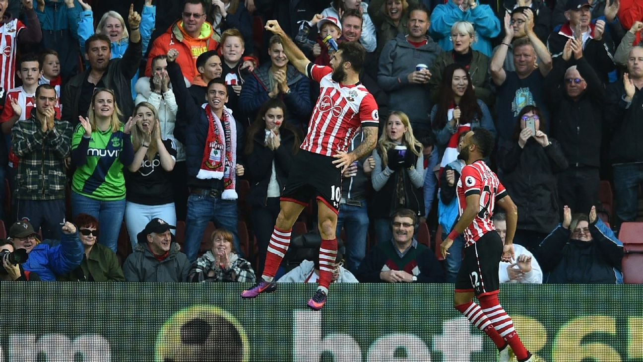 Charlie Austin found the back of the net twice against Burnley.