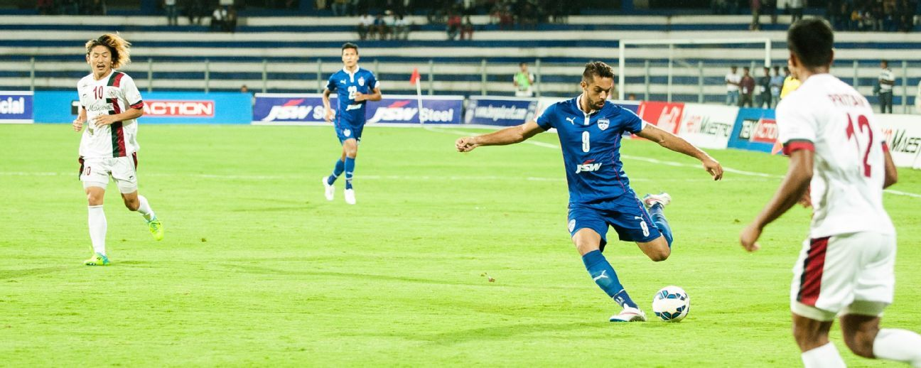 Robin Singh (in blue above), Jayesh Rane, Shankar Sampingiraj and Ashutosh Mehta will be expected to form the core of ATK's Indian contingent this season.