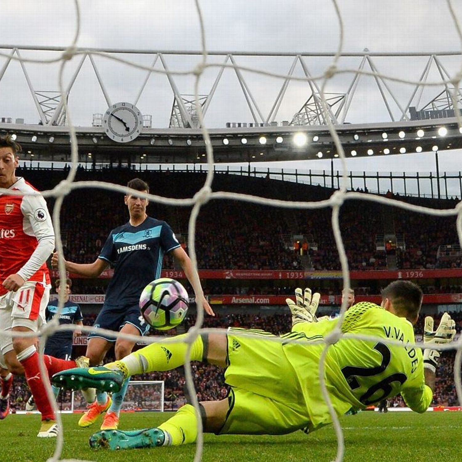 Arsenal suffer familiar failings as Middlesbrough hold ...