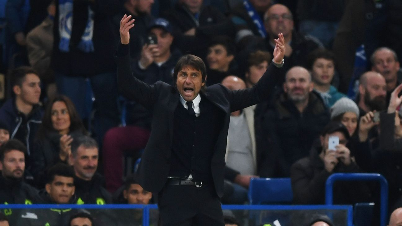 Antonio Conte pumps up crowd
