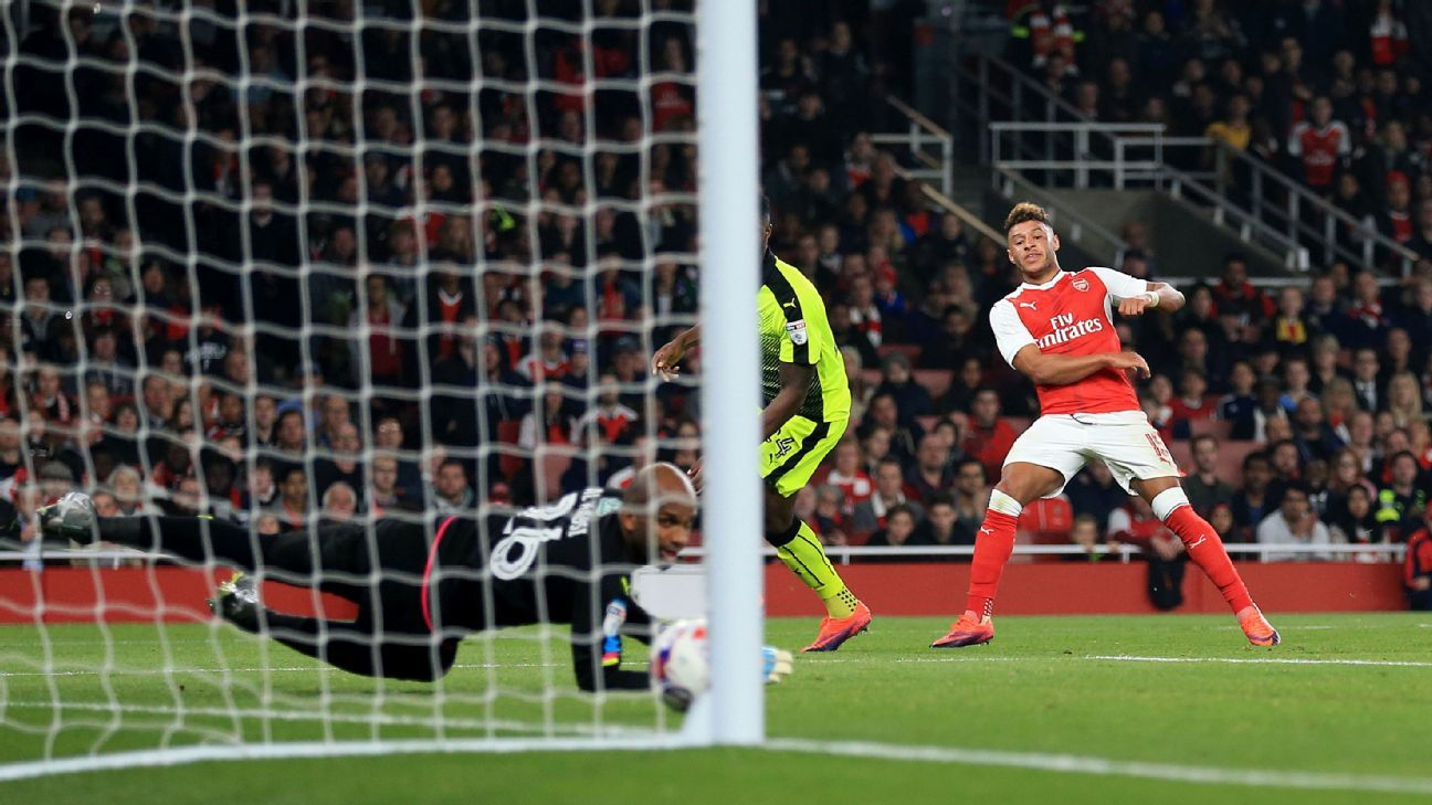 Alex Oxlade-Chamberlain scored the opener for Arsenal in their EFL Cup match against Reading.