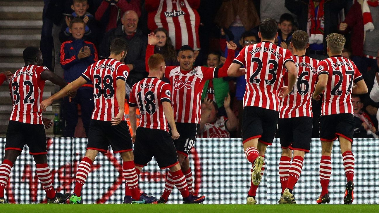 Southampton celebrate Sofiane Boufal's winner