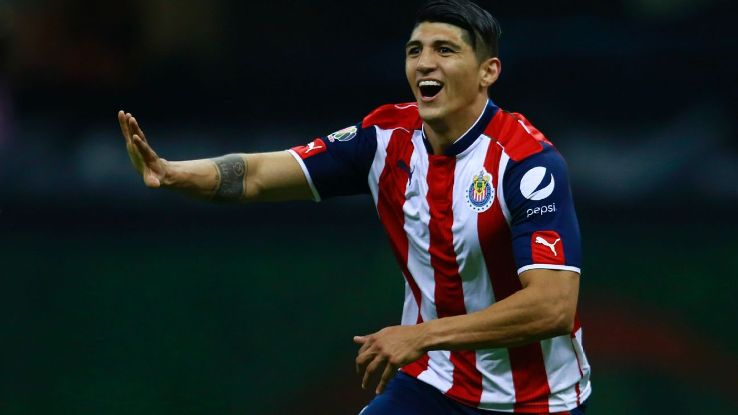 Alan Pulido celebrates after scoring the equalizer for Chivas against Club America.