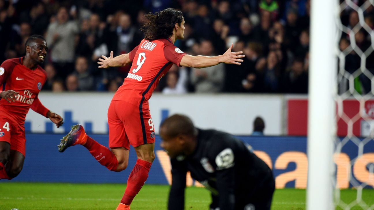 Edinson Cavani scored his 95th career goal for PSG on Friday.