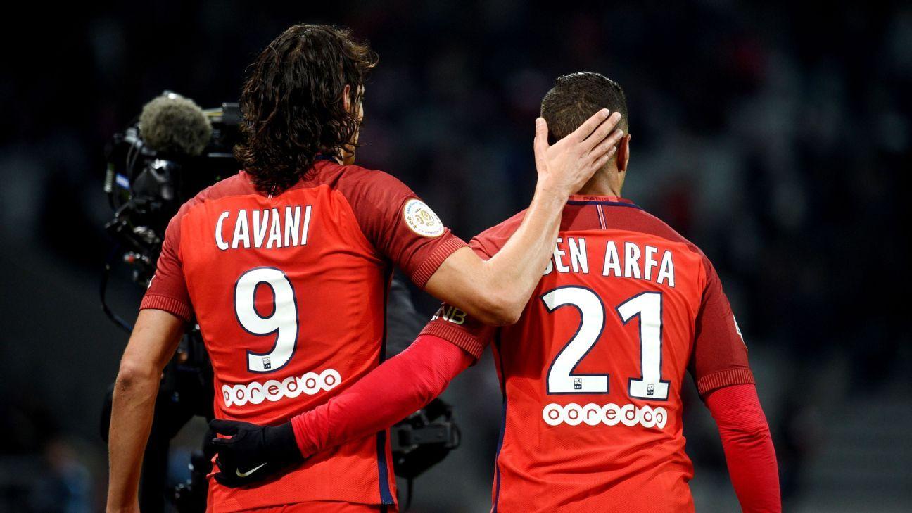 Cavani celeb vs Lille 161028