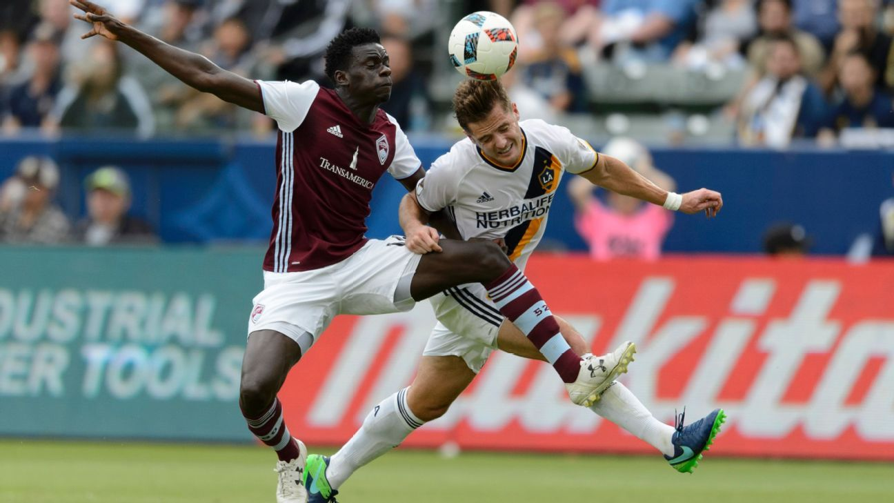 Dominique Badji and Robbie Rogers